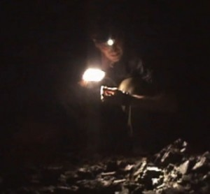 During the ropen expedition of 2007, Josh Gates discovers many bones in a cave. They appear to be human bones.